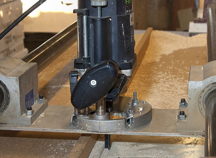 DynaGlide tool surface lubricant is dry-to-touch and extends all cutting, drilling, routing tool life and more!